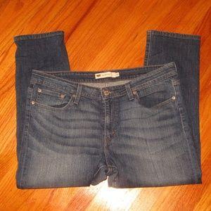"""LEVIS """"BOYFRIEND SKINNY"""" jeans size 33 cropped"""